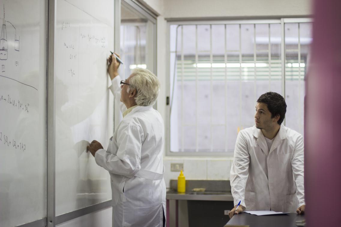 Investigar en docencia universitaria: el aporte desde la UCN
